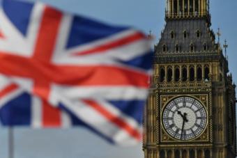 لندن تعلن زيادة ضريبية.. وتبقي على مساعداتها المالية في مواجهة أزمة الوباء