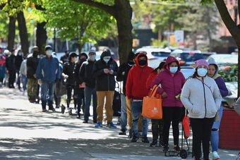 ارتفاع طلبات إعانة البطالة الأمريكية إلى 745 ألف في أسبوع بفعل العواصف الثلجية