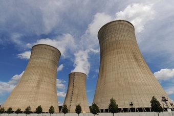 النووي مصدر 10% من الكهرباء في العالم لكنه يسبب انقساما