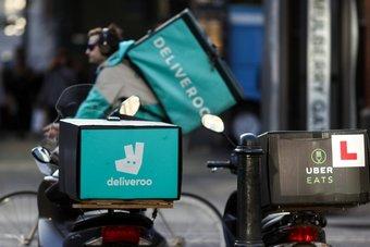 دليفرو  ستدفع مكافات استثنائية لعمال التوصيل يوم دخولها البورصة