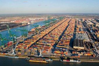 الصادرات الصينية تسجل أكبر نمو في عقود رغم الجائحة .. ارتفعت 60.6 % خلال شهرين