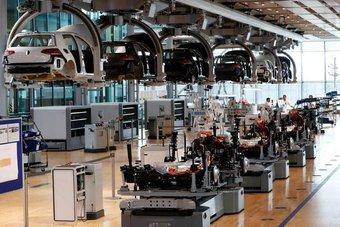 القطاع الصناعي في ألمانيا يحذر من تشديد إجراءات الإغلاق