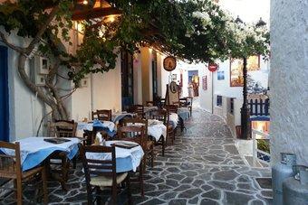 الجائحة تفاقم أزمة المطاعم في اليونان .. 6 من كل 10 مؤسسات مهددة بالإغلاق