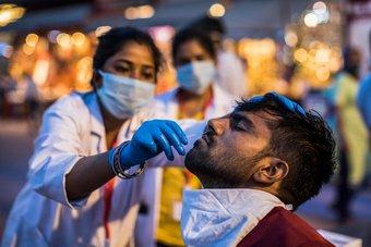 الهند تسجل أكثر من 161.7 ألف إصابة جديدة بكورونا.. أعلى حصيلة يومية في العالم