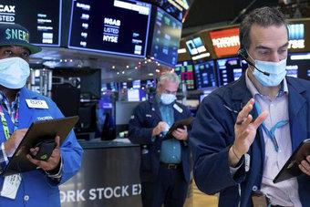 داو يخترق مستوى 34 ألف نقطة وذروة جديدة لستاندرد أند بورز بفضل التكنولوجيا