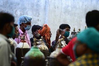 عدد قياسي جديد.. وفاة أكثر من 2000 شخص بكورونا في الهند