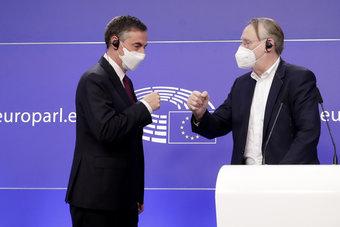 """البرلمان الأوروبي يصادق على الاتفاق التجاري لما بعد """"بريكست"""" مع لندن"""
