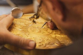 دار سك العملة البريطانية تنتج أكبر عملة ذهبية خلال تاريخها.. تزن 10 كيلوجرامات