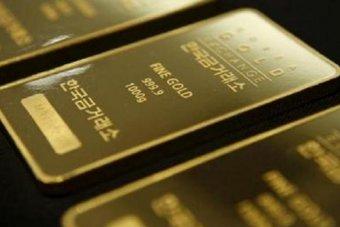 أسعار الذهب تتجه لأسوأ أداء أسبوعي في شهر