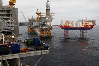 النفط بصدد الارتفاع ونمو الطلب سيتراوح بين 5.5 و6.5 مليون برميل يوميا في 2021