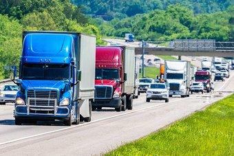 الشاحنات ساحة المعركة التالية لتكنولوجيا القيادة الذاتية