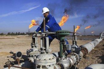 العراق يخطط لحفر 177 بئرا نفطية لحساب شركات أجنبية ومحلية
