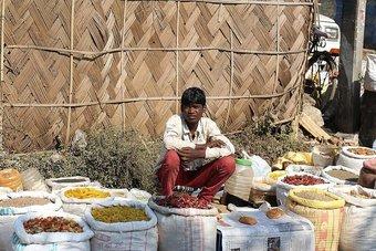 تراجع الأجور والأسعار يفاقم أزمة تدهور الثقة بالاقتصاد الهندي