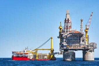 النفط يواجه ضغوط تباطؤ نمو نشاط المصانع في الصين .. تعافي الطلب لا يزال متفاوتا