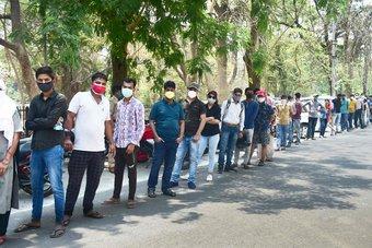 علماء: الحكومة الهندية تجاهلت تحذيرات وسط تفاقم فيروس كورونا