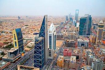 الاقتصاد السعودي يتراجع 3.3% في الربع الأول.. و غير النفطي  ينمو 3.3%