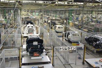 صناعة السيارات تفقد 110 مليارات دولار من إيراداتها في 2021 بفعل العجز في الرقائق