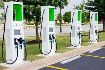توسيع شبكة محطات الشحن في أمريكا .. أمل لازدهار سوق السيارات الكهربائية