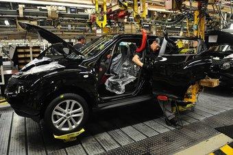 انتعاش إنتاج السيارات في بريطانيا بعد ركود بفعل إجراءات العزل قبل عام