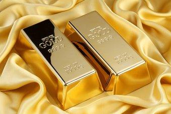 الذهب يعاود اختبار مستوى 1900 دولار بعد صعود التضخم الأمريكي