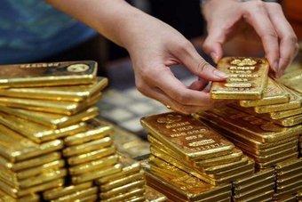 الذهب يستقر مع قوة الدولار والبلاديوم قرب مستويات مرتفعة غير مسبوقة