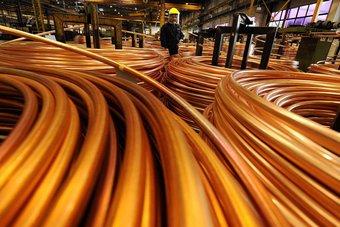 أسعار النحاس وخام الحديد ترتفع إلى مستويات قياسية