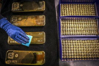 الذهب يحقق أفضل أسبوع في 6 أشهر بعد بيانات أمريكية دون المتوقع