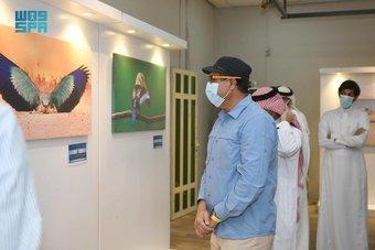 معرض فني يرصد عالم الطيور في الجزيرة العربية