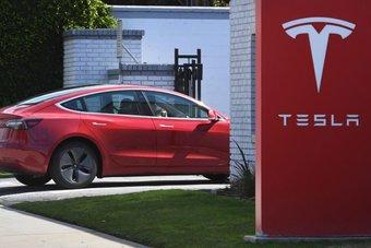 """رئيس """"تيسلا"""": الشركة ستعاود قبول """"بيتكوين"""" عندما تصبح أقل تلويثا للبيئة"""