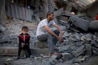 بعد إغلاق الاحتلال للمعبر .. غزة تخسر 12 مليون دولار من منع الصادرات
