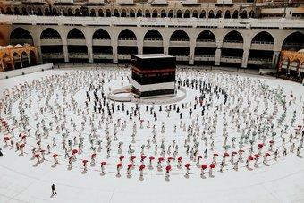 تأييد إسلامي كبير لقرار المملكة قصر الحج على الداخل