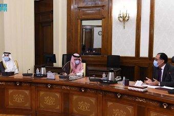 رئيس الوزراء المصري يستقبل وزير التجارة وزير الإعلام المكلف