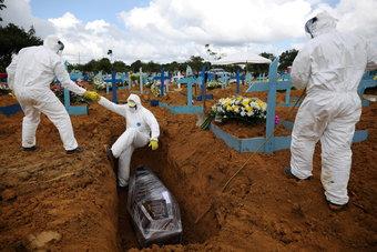 البرازيل.. أكثر من نصف مليون وفاة بكورونا