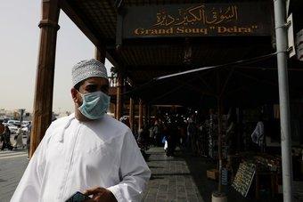 عمان : إنهاء الحظر الجزئي لجميع الأنشطة التجارية .. وفتح المساجد والجوامع