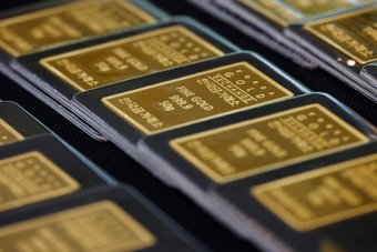 الذهب يرتفع بعد تهدئة باول مخاوف أسعار الفائدة