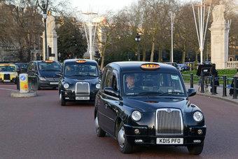 الوباء يرسم مستقبلا غامضا لسيارات الأجرة السوداء الشهيرة في لندن