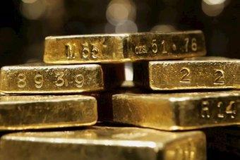 الذهب عند ذروة شهر بعد تهدئة رئيس الاتحادي مخاوف تخفيف الدعم
