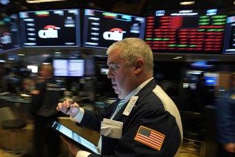 ناسداك يغلق منخفضا مع بيع المستثمرين أسهم التكنولوجيا الكبرى