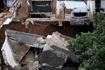 فيضانات أوروبا تودي بحياة أكثر من 100 شخص مع استمرار البحث عن المفقودين