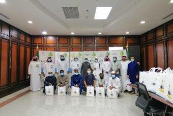 53 من طلاب المنح في جامعة الملك عبدالعزيز يؤدون فريضة الحج لهذا العام