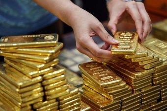 عودة متوقعة للذهب عند 1900 دولار