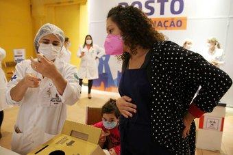 البرازيل .. موجة كوفيد تضرب النساء الحوامل