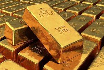 الذهب يرتفع مع تراجع الدولار، والسوق تترقب نتيجة اجتماع مجلس الاحتياطي