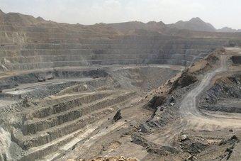 مصر توقع 4 عقود للبحث عن الذهب في الصحراء الشرقية