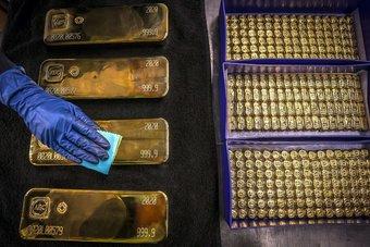 الذهب يتجه لأفضل مكسب أسبوعي فيما يزيد عن شهرين
