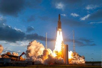أوروبا تحقق سابقة عالمية إثر إطلاق أول قمر اصطناعي تجاري مرن