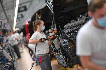 الطلبيات الصناعية الألمانية تتراجع 3.7% خلال مايو