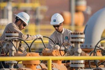 صادرات الخام السعودية ترتفع إلى 5.965 مليون برميل يوميا في يونيو