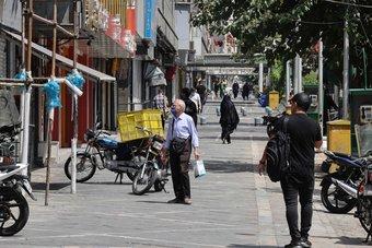 إجمالي الوفيات جراء كوفيد-19 في إيران يتجاوز 100 ألف