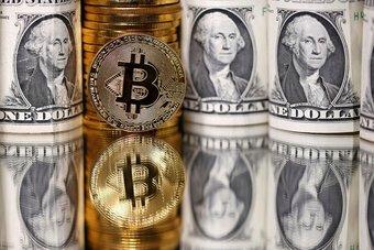 تفاقم خسائر الدولار وارتفاع العملات المرتبطة بالسلع الأولية